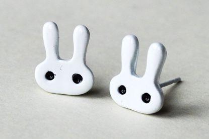 MISC211 Kawaii Pair of Bunny Studs - White